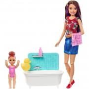 Barbie Bambola Barbie Babysitter con Vasca da Bagno