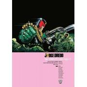 Judge Dredd the Complete Case Files Vol. 17, Paperback/John Wagner
