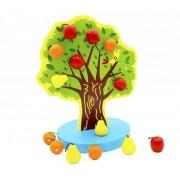 Copac din lemn cu fructe