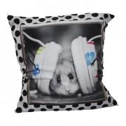 Almofada Hamster com Fone Preto & Branco 42x42cm Uniart