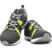 REEBOK TRAIN FAST XT Training Shoes For Men(Multicolor)