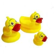 Emob 3 Pcs Duck Shaped Squeezy Bathtime Chu Chu Bath Toys for Kids Bath Toy (Yellow)