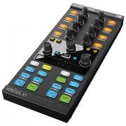 Native Instruments Traktor Kontrol X1 MK2 Controlador DJ