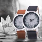 2017 New Style Women Dress Watches Flower Leather Analog Quartz Vogue Wrist Watch Orologio Donna Women Watches Wristwatch Women