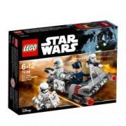 LEGO R Star Wars Transportor de viteza al Ordinului Intai 75166
