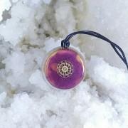 Pandantiv mandala fluorit si cuart, cristal de stanca, orgon, rosu