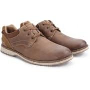 Clarks Mahale Plain Men Genuine Leather Sneakers For Men(Brown)