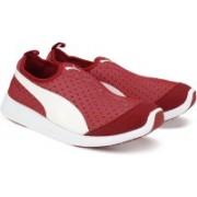 Puma ST Trainer Evo Slip-on Walking Shoes For Men(Red, White)