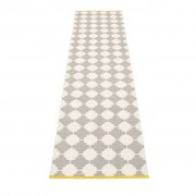 pappelina Marre Outdoor-Teppich – warmes grau / vanille mit senffarbener Kante 70 x 300cm