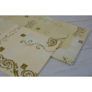 Bézs-arany szalvéta asztalközéppel