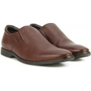 Hush Puppies By Bata AARON PLAIN SLIP ON Slip On For Men(Brown)