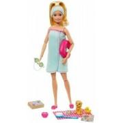 Mattel Barbie Wellness Playset Spa con Bambola e Accessori, Giocattolo p...