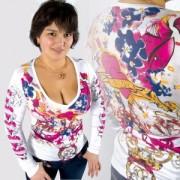 Top sexy décolleté blanc motifs sérigraphiés tendances coeur pink
