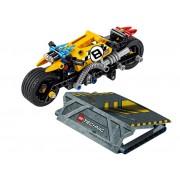 LEGO - MOTOCICLETA DE CASCADORIE (42058)