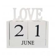 Calendar LOVE din Lemn 14 x 7x 14 cm Alb