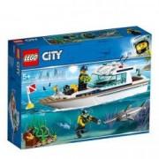 LEGO City Great Vehicles Iaht pentru scufundari 60221 pentru 5+ ani