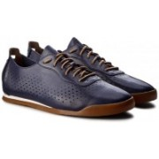 Clarks Siddal Sport Dark Blue Lea Outdoors For Men(Brown, Navy)