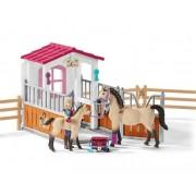 Un cal cu cai arabi și o asistentă medicală
