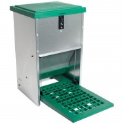 Feedomatic Poultry Feeder with footboard (8Kg)