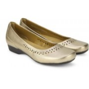 Clarks Blanche Garryn Gold Metallic Bellies For Women(Gold)