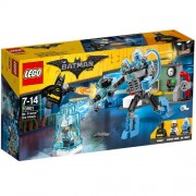 Set de constructie LEGO Batman Mr Freeze si Atacul Inghetat