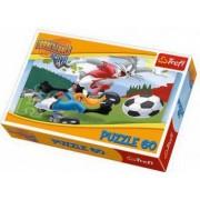 Puzzle Trefl 60 Iepurasul Bugs Bunny La Fotbal