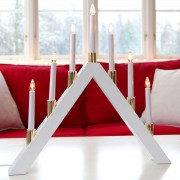 Timelessly attractive LED candleholder Halla white