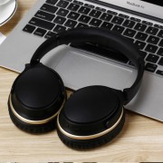 LC9300 Portable Foldable Over-ear Wireless Bluetooth 4.1 Earphone Support NFC Pairing for iPhone Samsung - Black