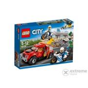 LEGO® City Police Nevolja s vučnim vozilom 60137
