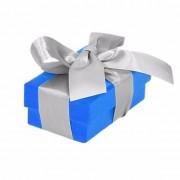 Merkloos Etalage versiering blauwe cadeauverpakking doosje met zilver strikje 8 cm