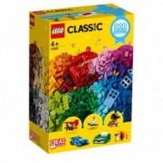 Lego Classic Distractie creativa 11005 pentru 4+