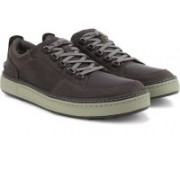 Clarks Lorsen Vibe Grey Nubuck Sneakers For Men(Brown)
