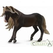 Figurina Collecta Pădurea Neagră - armăsarul XL (004-88769)