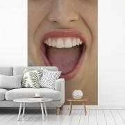 Fotobehang vinyl - Geopende lippen met tanden breedte 175 cm x hoogte 260 cm - Foto print op behang (in 7 formaten beschikbaar)