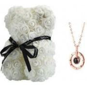 Ursulet Urs Rose Bear din Trandafiri Albi + Lantic cu Pandantiv inscriptionat cu Te Iubesc I Love You in 100 de limbi inaltime 25 cm