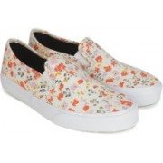 Vans SLIP-ON SF Slip on Sneakers For Women(Multicolor)