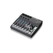 Mixer analógico Behringer 1202FX com 12 entradas e 4 aux