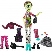 Monster High Iris Clops Heart Logo La Moda