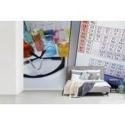 Periodiek systeem op laptop met vloeistoffen fotobehang
