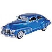 Motormax 1:24 1948 Chevrolet Aerosedan Fleetline (American Classic Diecast Collection) (Metallic Blue)