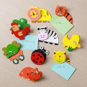 FunRobbers Magnetic Wooden Memo Animal Shaped Memo Clip Holder Organizer Note Card Paper (Pack of 6)