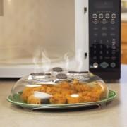 Capac magnetic multifunctional pentru cuptorul cu microunde