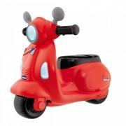 Chicco Correpasillos Vespa Con Forma De Moto Scooter Y Volante Electrónico Color