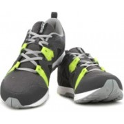 Reebok TRAIN FAST XT Men Training & Gym Shoes For Men(Grey)