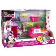 Set de joaca Jakks Pacific Mickey and the Roadster Racers Figurina Minnie Mouse cu accesorii birou si masina
