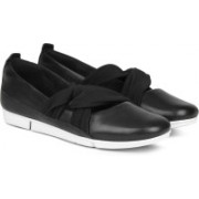 Clarks Tri Accord Black Leather Sneakers For Women(Black)