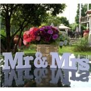 Decoratiune 3D Mr & Mrs pentru masa mirilor