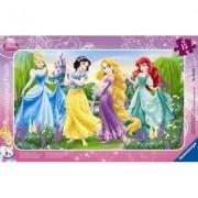 Puzzle printesele Disney la plimbare, 15 piese Ravensburger
