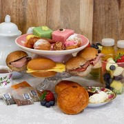City Bakery High Tea box (Aantal personen: 6 personen)