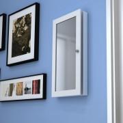 vidaXL Стенен шкаф за бижута с огледало